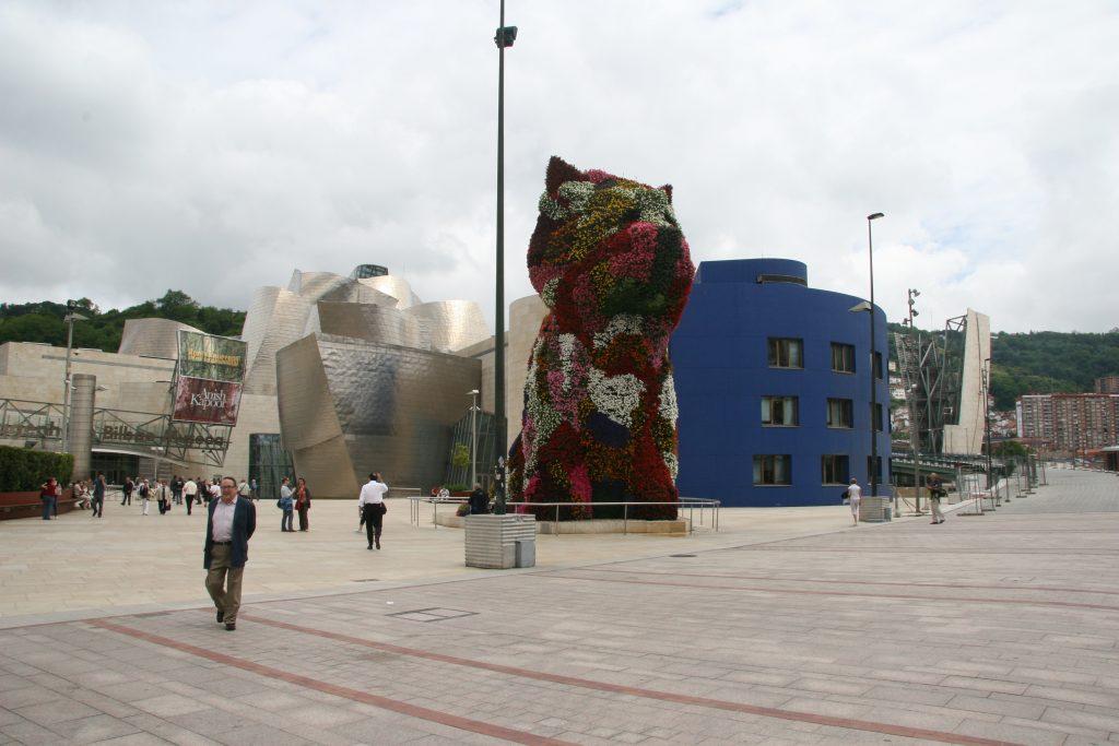 Jeff Koons Puppy Guggenheim Bilbao